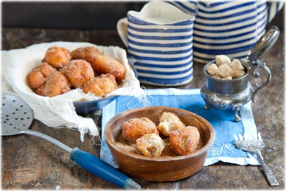 סופגנייה הולנדית מהירה עם ריבת תפוחים וקינמון